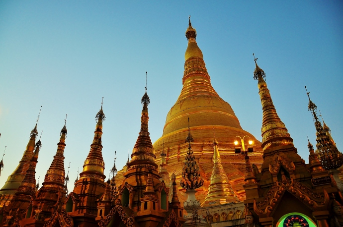 Shwedagon stupa at sunset