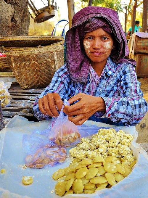 Burmese sugar balls