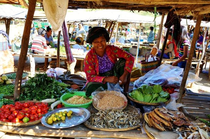 Burmese woman in Bagan